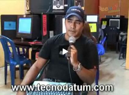 Eduardo Palacios durante su entrevista para la serie De Blog en Blog de ecuacanal.com