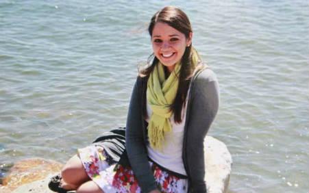 Victoria Soto, hoy considerada uan heroína por poner su vida enfrente de las de sus estudiantes. deathandtaxesmag.com/Ned Hepburn