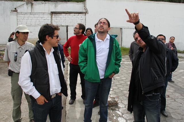 Hector Rodríguez,  Ramiro Moncayo y su jefe René Ramirez en un recorrido por el sitio en construcción de Yachay durante el mes de febrero.  Credito: Secretaría Educación Superior del Ecuador